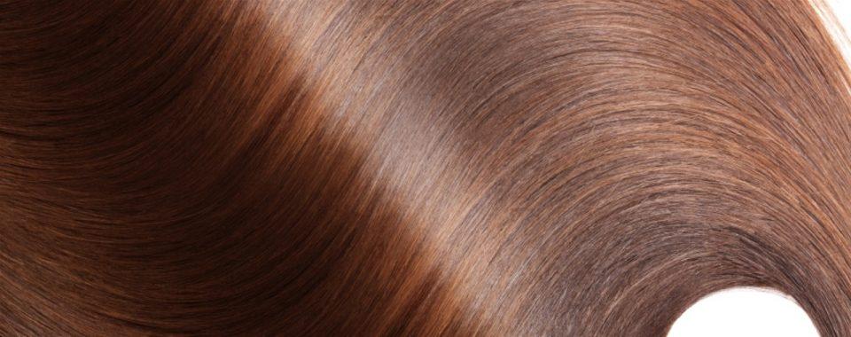 Questa immagine ha l'attributo alt vuoto; il nome del file è forfora-e-capelli-grassi-1-960x380.jpg